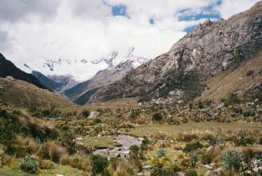 Laguna 69 trail